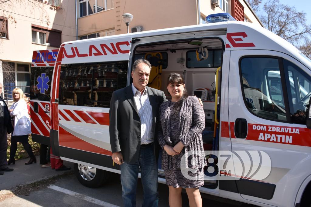 Novo sanitetsko vozilo, Milan Skrbic, Branka Baic, dom zdravlja (14)
