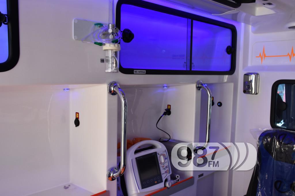 Novo sanitetsko vozilo, Milan Skrbic, Branka Baic, dom zdravlja (3)