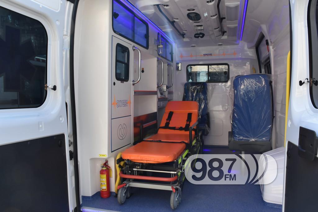 Novo sanitetsko vozilo, Milan Skrbic, Branka Baic, dom zdravlja (4)