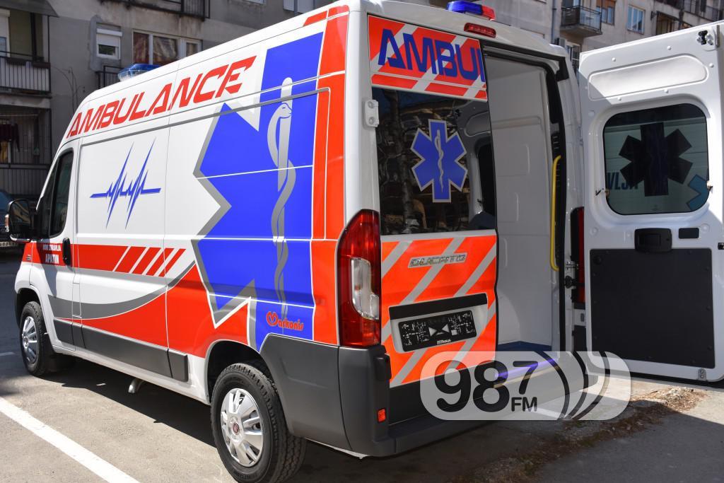 Novo sanitetsko vozilo, Milan Skrbic, Branka Baic, dom zdravlja (5)